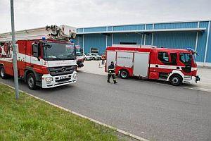 Požární zásah v Lindabu začíná, zdroj: Linadb