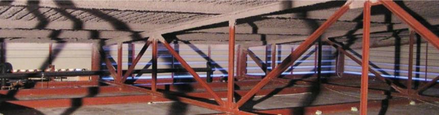 Nástřik tenké vrstvy foukané izolace v zemědělské stavbě