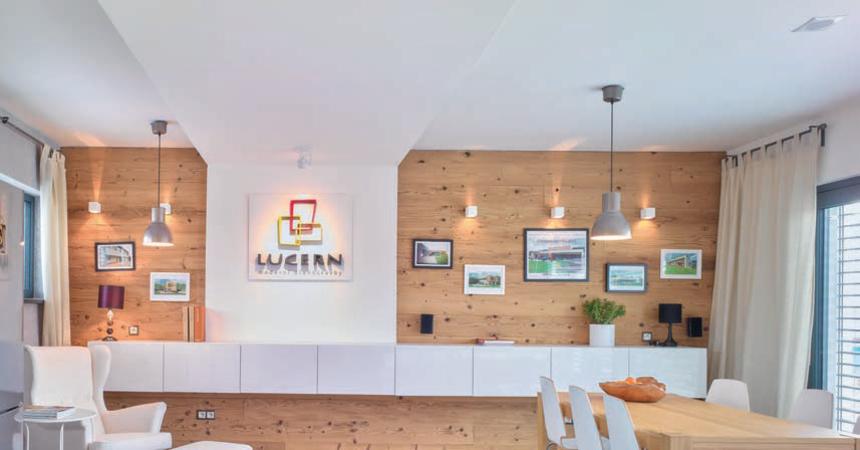 Po instalaci konstrukční desky je možné na stěnu přidělávat cokoliv