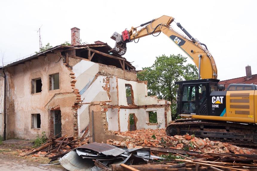 Obcím často chybí finance na demolici těchto staveb