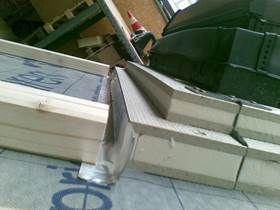 Velux představil střešní okna se zateplovacím rámem od Puren, zdroj: PUREN