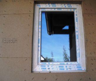 Pavatex, Úprava a sponkování desek kolem okenního otvoru a na nároží