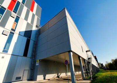 Ruukki, nákupní centrum Baumax Bratislava Lamač, zateplení sendvičovými panely