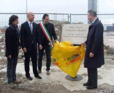 Ursa, pokládání základního kamene výrobního závodu v italském Bondenu
