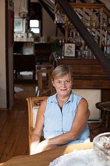 Paní Simona Kalvoda, majitelka rekonstuované chalupy v Dobříši, zdroj: KNAUF