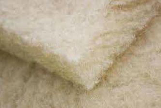 Ovčí vlna v pásech, zdroj: Publikace Stavební tepelné izolace