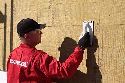 Odborná instalace zateplení fasády, zdroj: ROCKWOOL