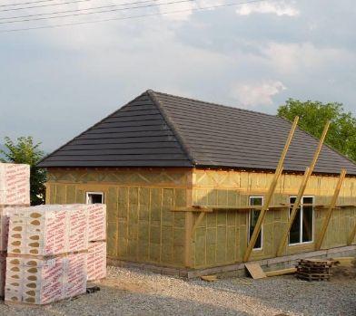 Dřevostavba rodinného domu v Tranave, Slovensko; použitá izolace z kamenné vlny Rockwool Frontrock Max E; foto zdroj: Rockwool