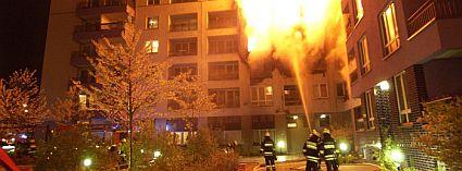 Ilustrační foto, požár bytového domu, foto zdroj: Rockwool, a.s.