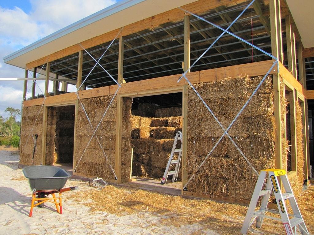 Využití slámy ve stavebních konstrukcích