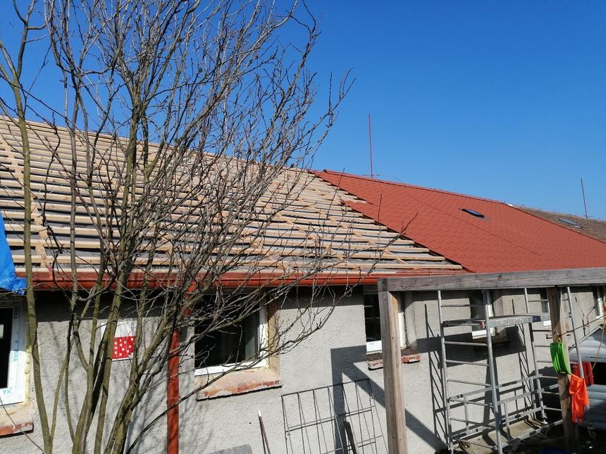 Průběh rekonstrukce střechy