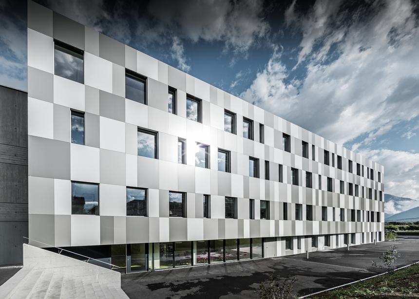 Výrobky PREFA umožňují harmonické a ucelené opláštění budovy