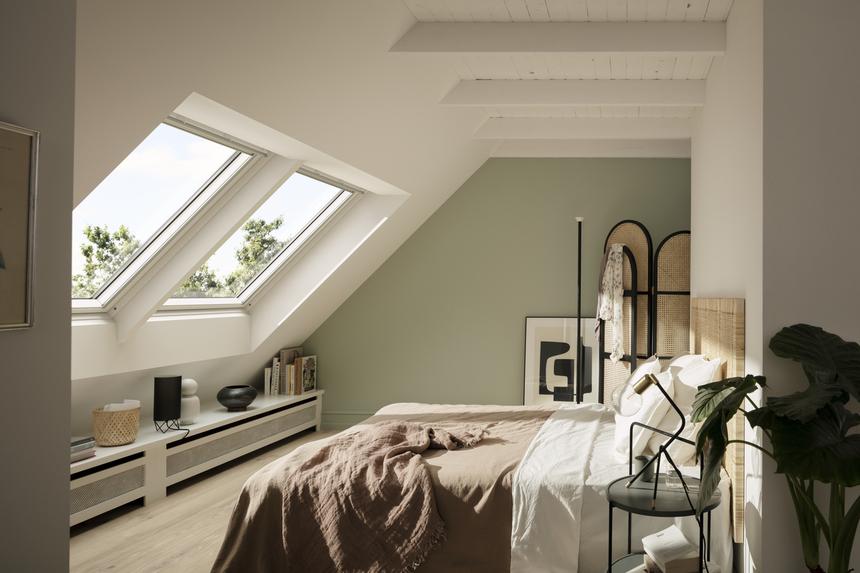 Střešní okno le možné napojit i na prvky chytré domácnosti a ovládat dálkově
