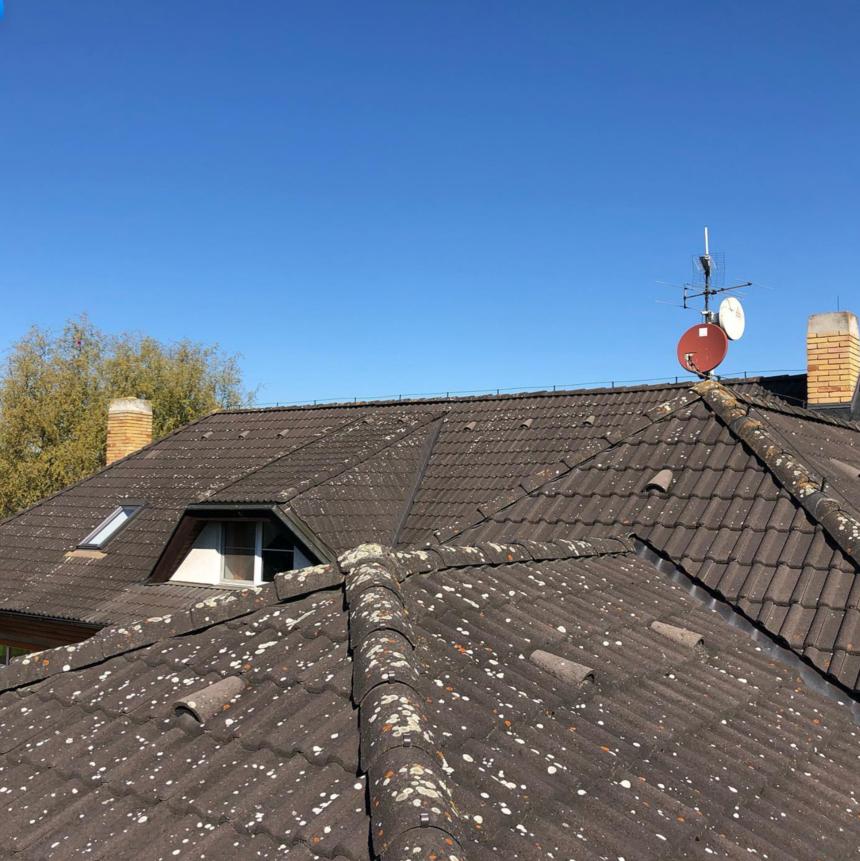 Před renovací složitější střechy