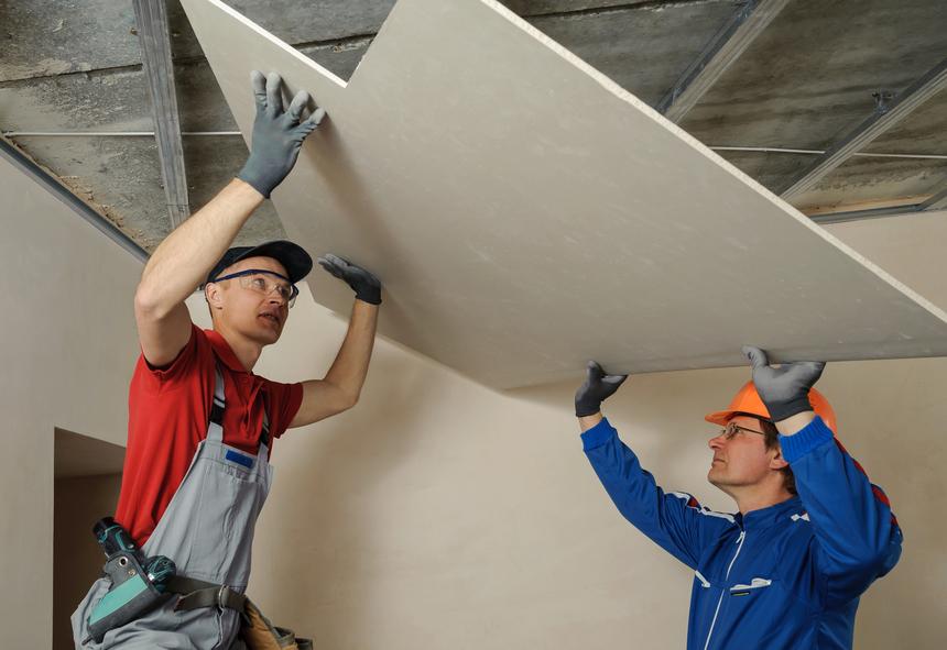 Upevňování sádrokartonových desek na strop