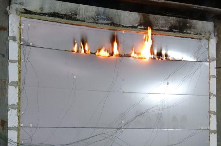 Změny technických norem týkajících se požární odolnosti sendvičových panelů