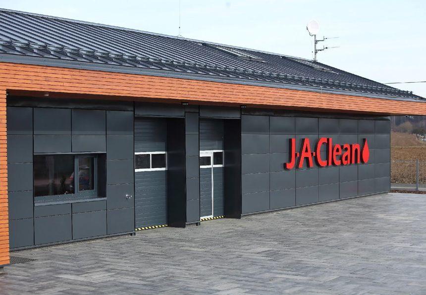 Firma J.A. CLEAN využila stavební systémy Lindab