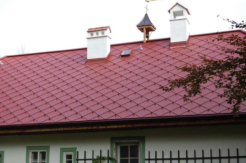 Červená střecha COMAX BoCo 330