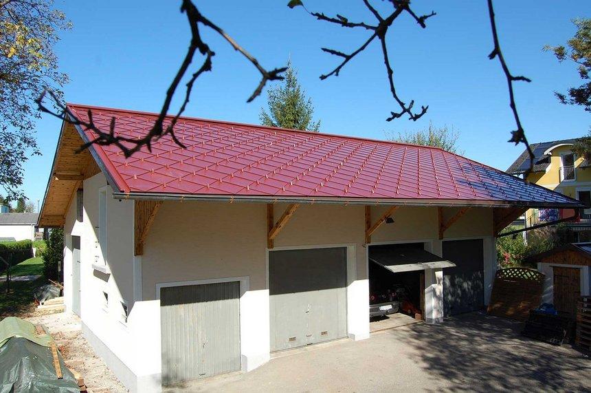 Červená střecha na garáž COMAX BoCo 330