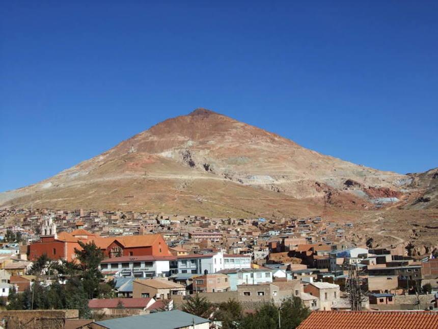 Hora nedaleko Potosí v Bolívii