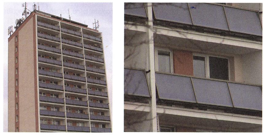 Plochý solární kolektor využitý jako balkonová výplň zábradlí