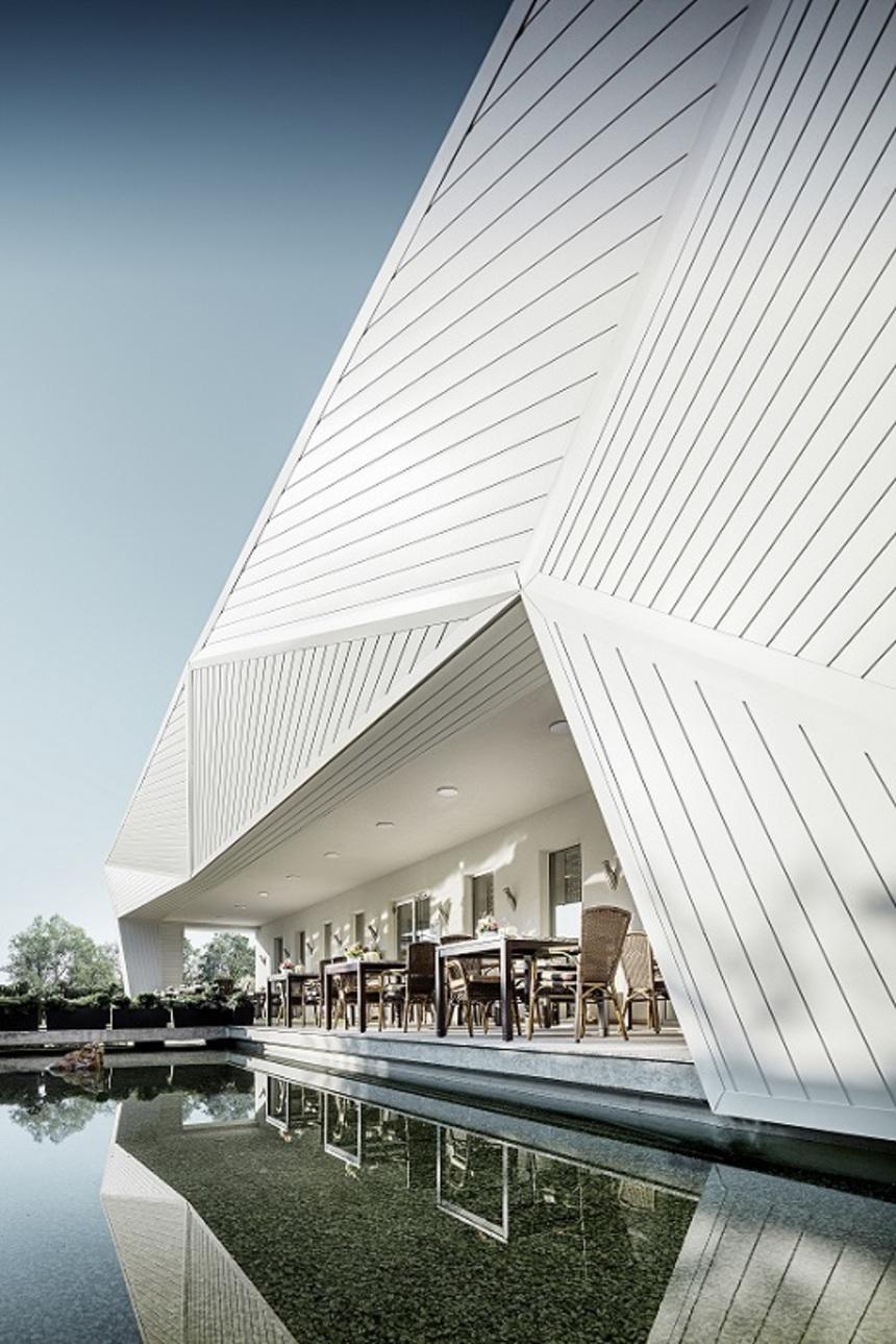 Bílá fasáda PREFA Siding použita pro restauraci v Budapešti