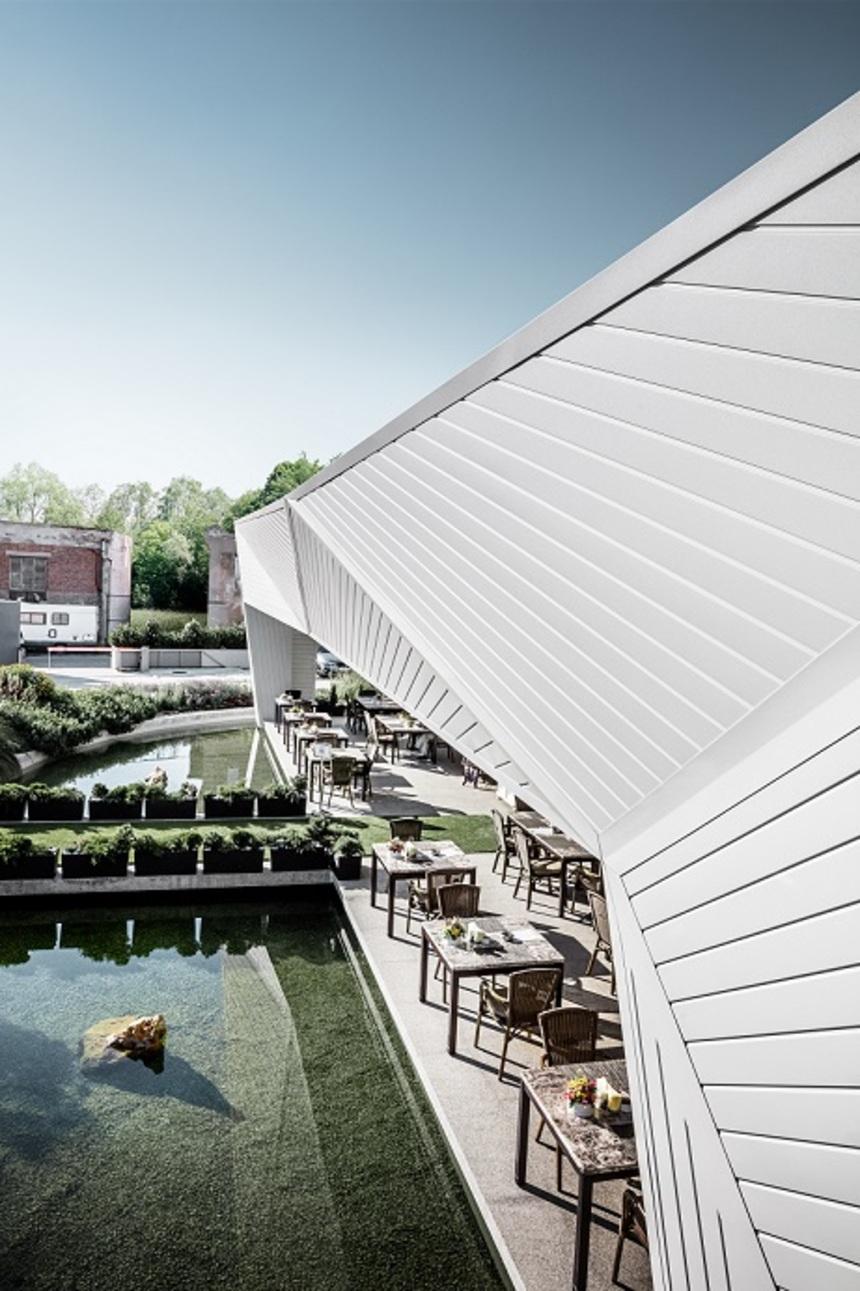 Bílá hliníková střecha Prefa