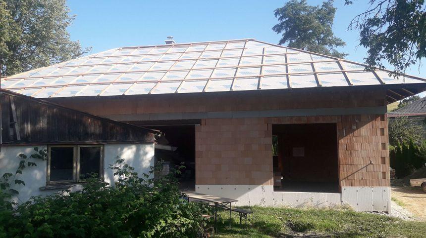 provizorní zakrytí střechy