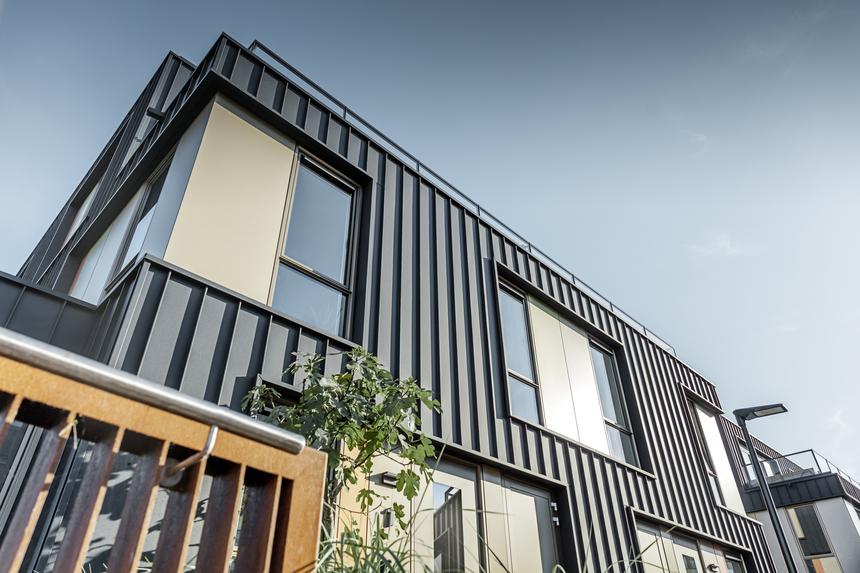 Hliník architektku okouzlil díky své dlouhé životnosti a barevné stálosti