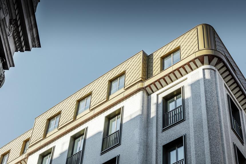 Střecha vídeňské kavárny se třpytí jako zlato
