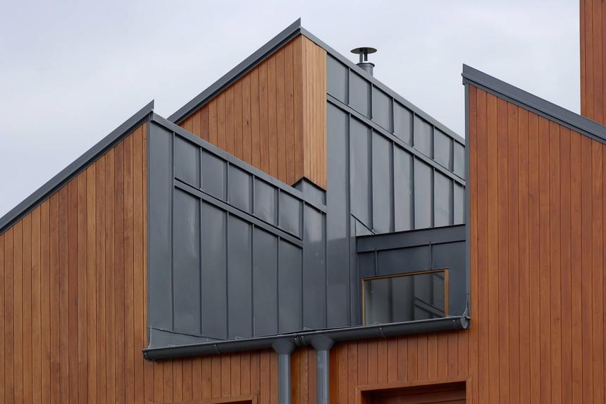 Hliníková falcovka si dobře poradí i s nestandartními budovami