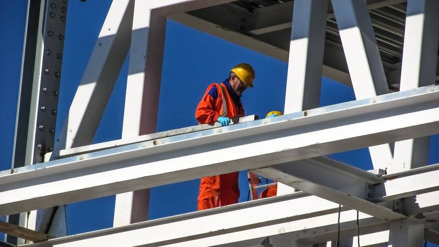 Podle analytiků by se díky novému stavebnímu zákonu měly velké stavební projekty stavět rychleji