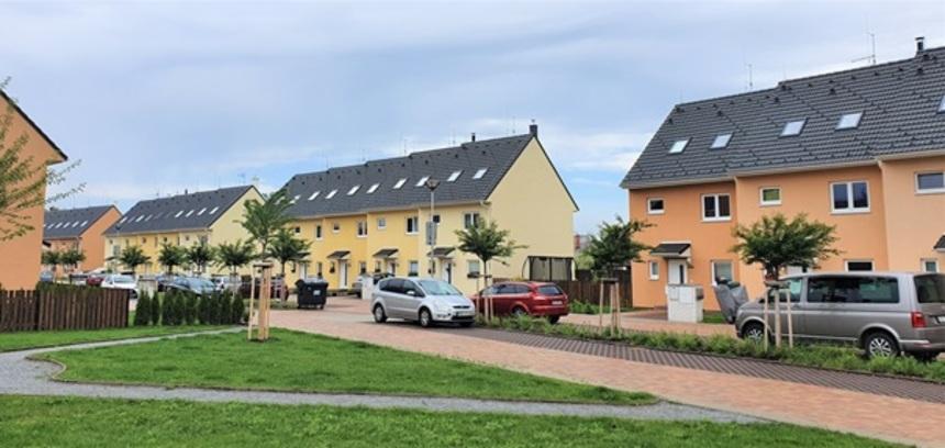 "Projekt""Slunečné terasy"" – krytina Mecklenburger Benderit Granit"