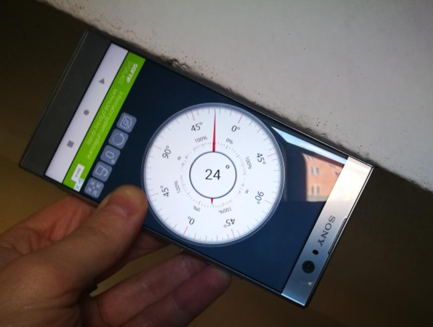 Měření sklonu mobilem
