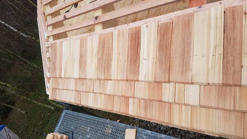 Vrstvení dřevěných šindelů