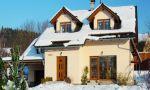 Střešní konstrukce bezpečné proti polétavému sněhu