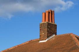 Pravidla navrhování komínů nad střechou