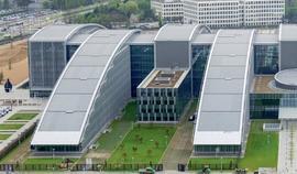 NEJVĚTŠÍ ZINKOVOU STŘECHU V EVROPĚ MÁ CENTRÁLA NATO V BRUSELU