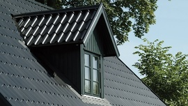 Lindab: nový, vylepšený povrch střech PREMIUM nyní v akční nabídce spolu s jednou třetinou střechy zdarma