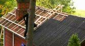 Provádění bitumenové vlnité krytiny na původní vlnité desky