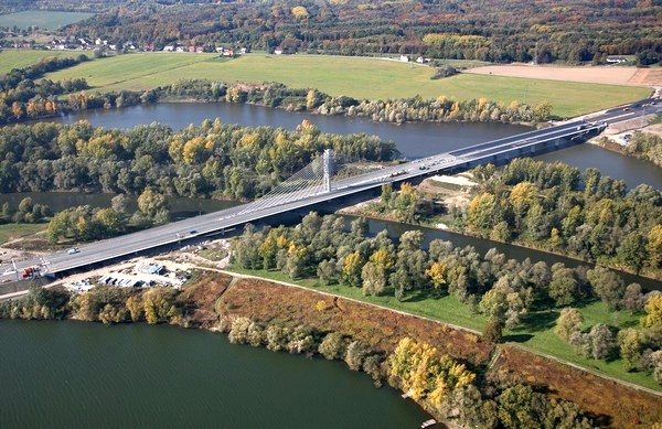 Ilustrační foto Dálniční most přes Odru