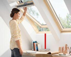 Velux, nová generace střešních oken s horním ovládáním