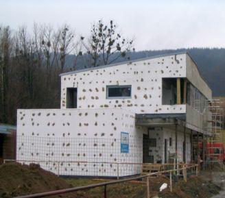 Zateplování domu pěnovým polystyrenem, ilustrační foto