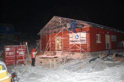 Montážní práce probíhaly za teplot hluboko pod bodem mrazu