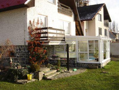 Zimní zahrada – napojená na dům – vstup zvenku