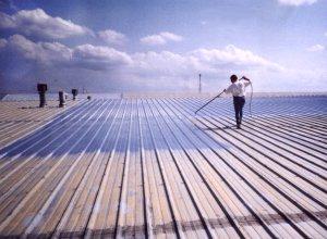 Cena natření střechy
