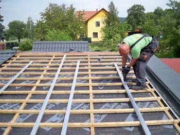 Realizace fotovoltaiky - tzv. Střecha ve střeše