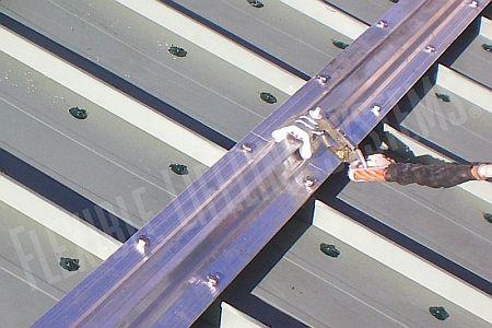 Ilustrační foto, zádržné systémy pro šikmé střechy, zdroj: internet