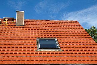 Ilustrační foto - červená střecha, zdroj: Poptávkový server Poptávej.cz