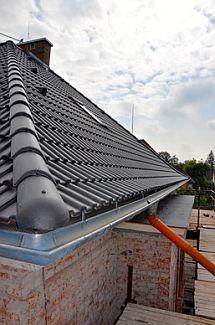 Ilustrační foto - tmavá střecha, zdroj: Poptávkový server Poptávej.cz